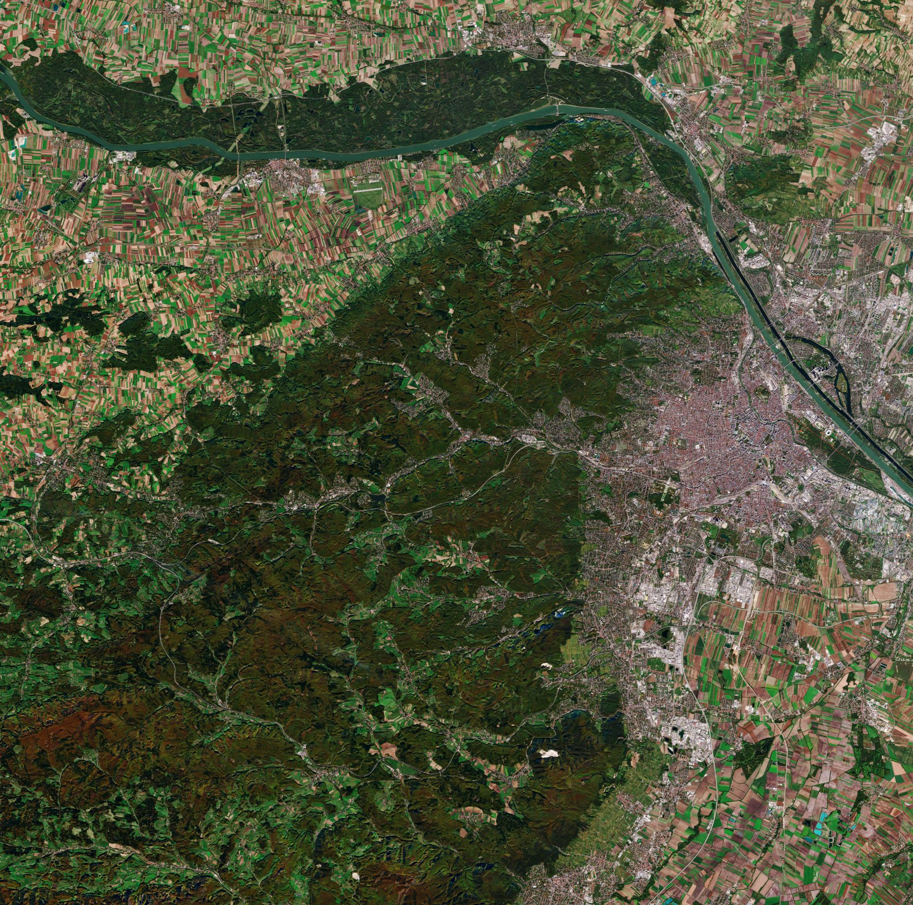 Vienna as seen from Copernicus sentinel-2a