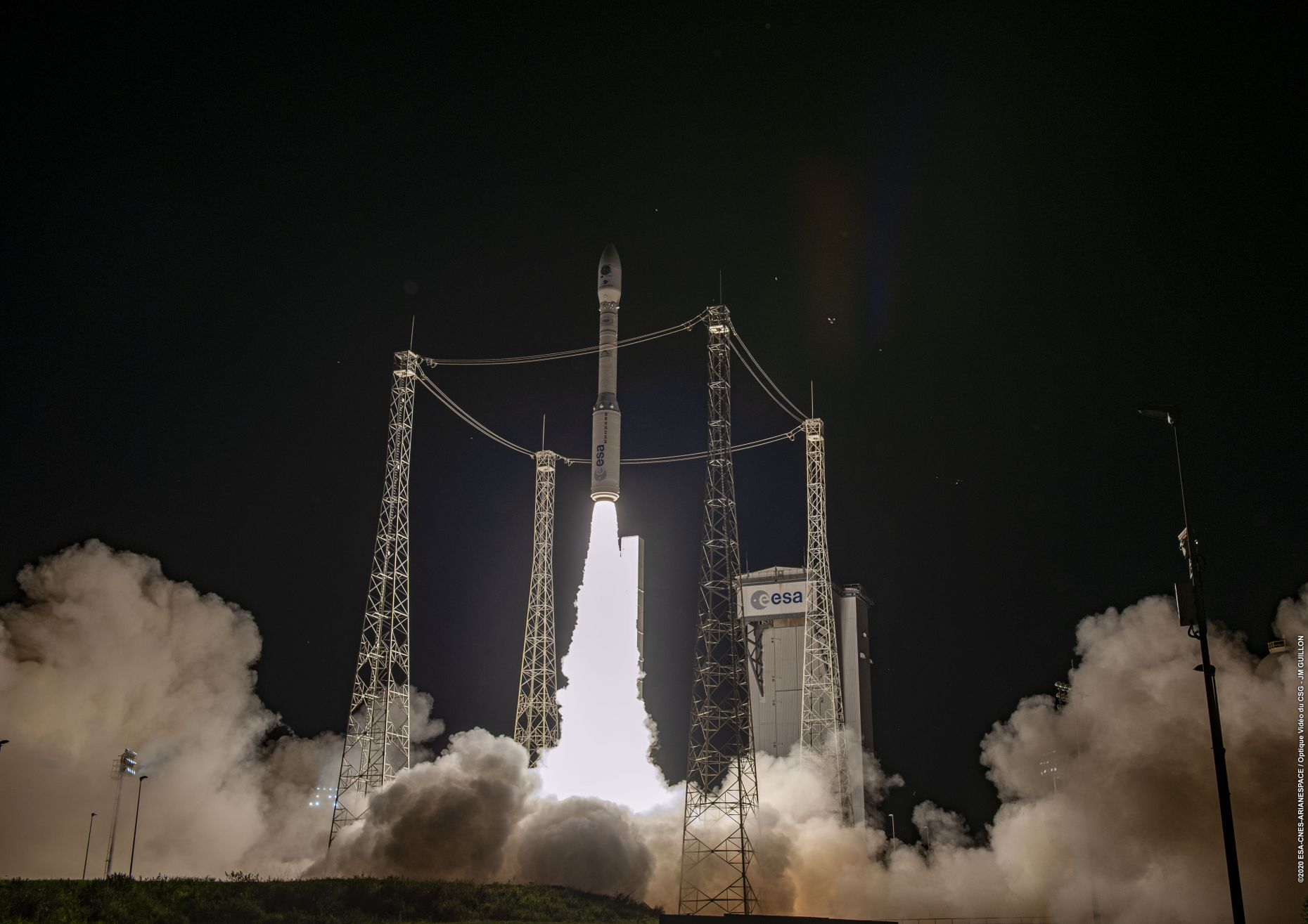 Esa rocket vega lifts off